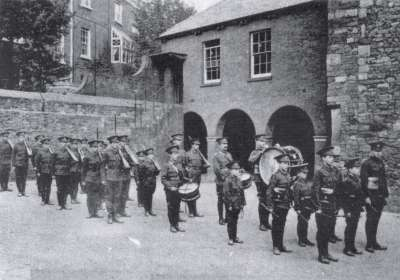 Exeter Cathedral School cadet force c.1910?
